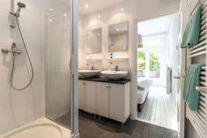 badkamer, douche, wastafel, wit, zwart, modern