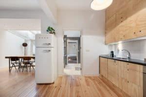keuken hout wit zwart smeg koelkast plant badkamer industrieel