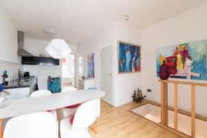 keuken, kunst, trap, modern, wit, kleur